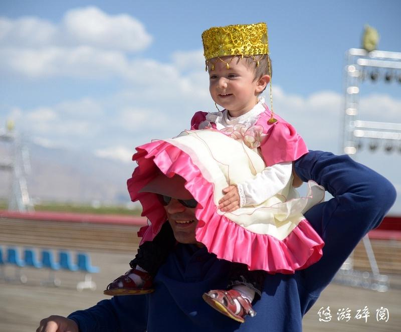 塔吉克族儿童,天真活泼