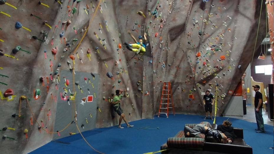 老师让我看她的脚_暑假第六周:攀岩夏令营、Seafair周末、飞机博物馆看飞行表演 ...