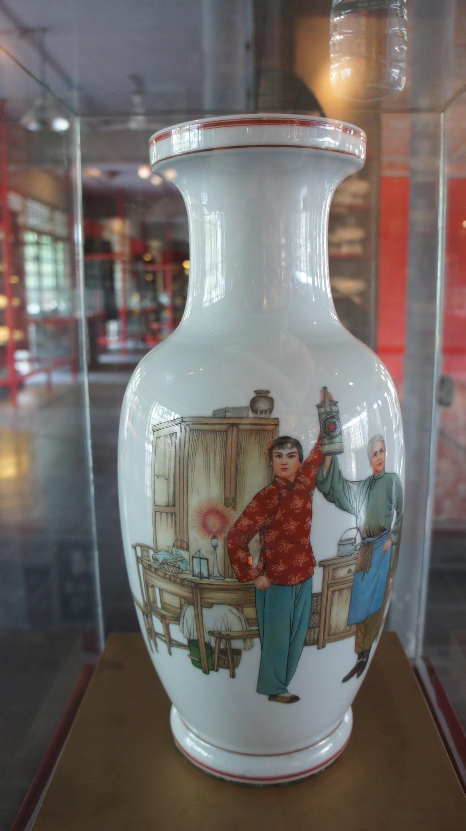 建川博物馆:红色年代瓷器馆 - 余昌国 - 我的博客