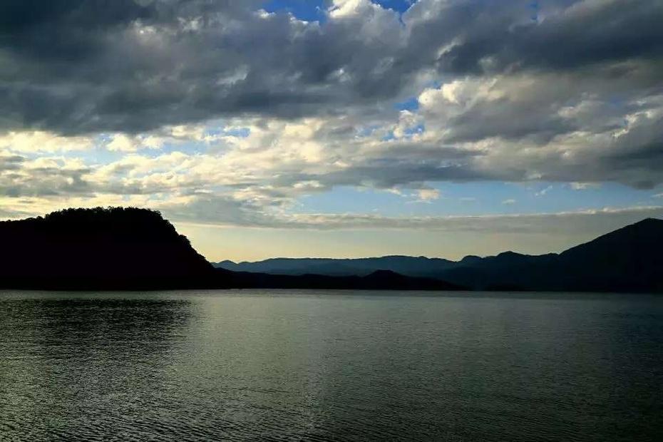 高原明珠:神秘秀美的泸沽湖 - 余昌国 - 我的博客