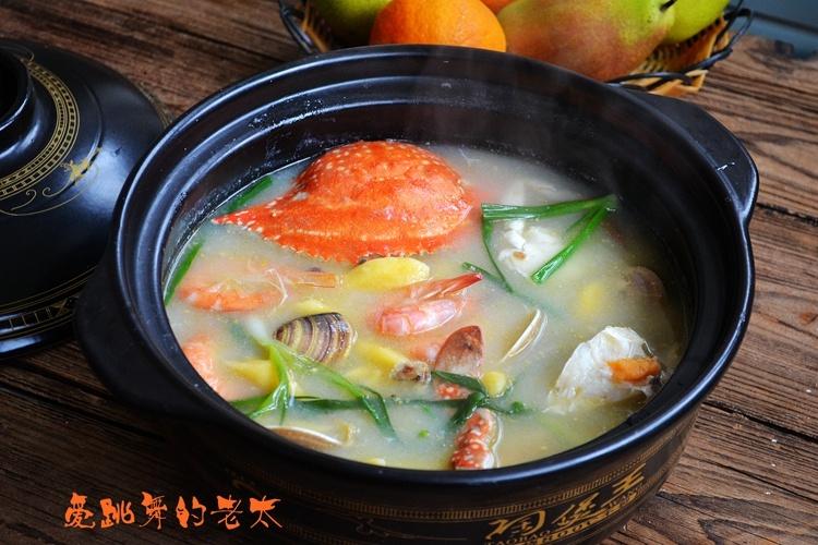 感觉这样的海鲜汤更鲜美.