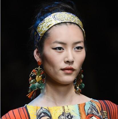 刘雯登上福布斯最赚钱超模榜 - VOGUE时尚网 - VOGUE时尚网