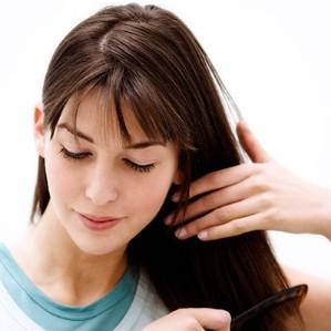 教你4步正确清理发梳 - VOGUE时尚网 - VOGUE时尚网