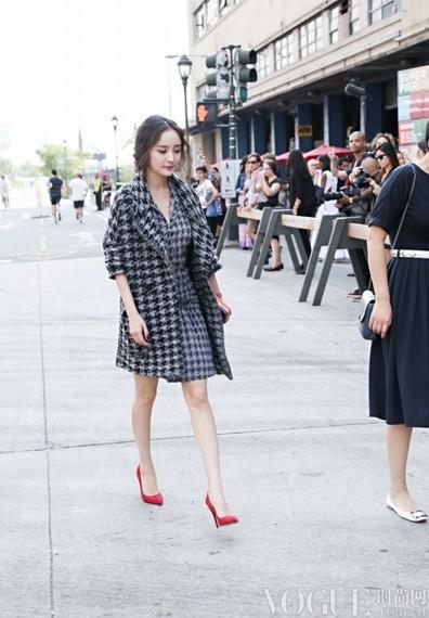 林志玲秀场头排争艳无人识 - VOGUE时尚网 - VOGUE时尚网
