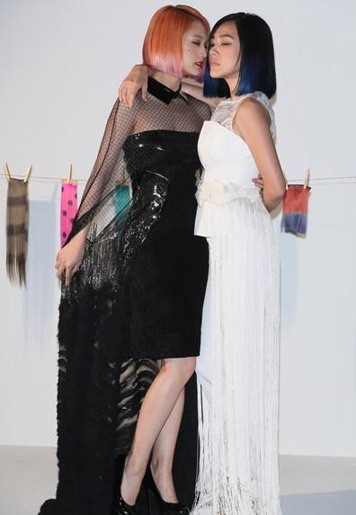 小S杨丞琳彩色BOBO头玩诱惑 - VOGUE时尚网 - VOGUE时尚网
