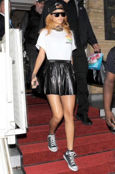 潮流天后Rihanna酷辣穿衣经 - VOGUE时尚网 - VOGUE时尚网