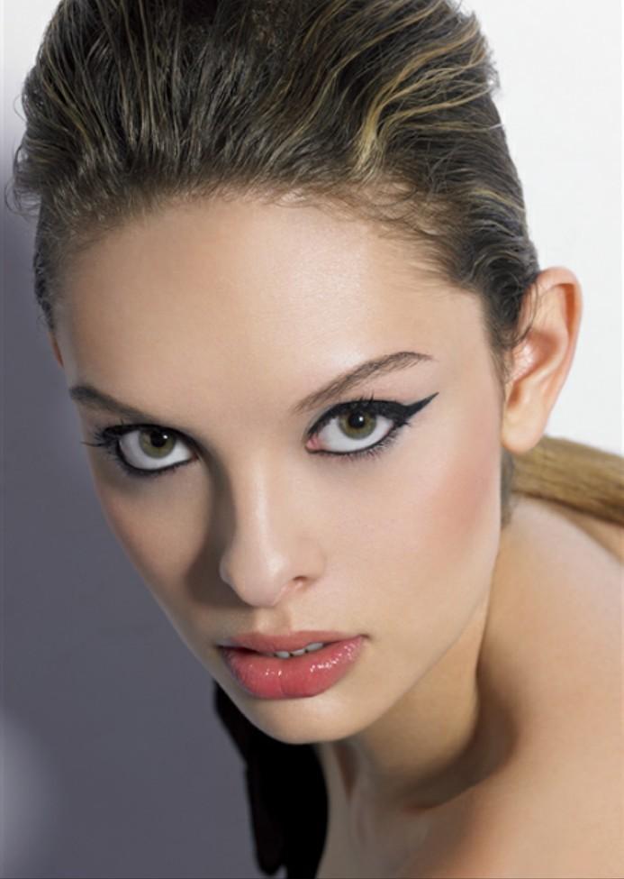 【妮妆亮颜】迷情巴黎 T台妆容之模仿篇 - 妮儿太妖 - 妮儿太妖的博客