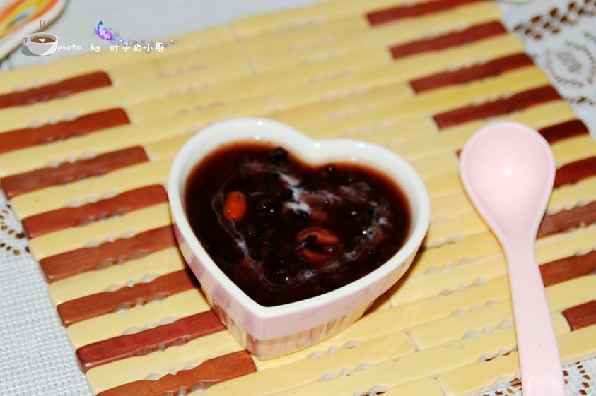 【不开火】秋季养生粥---莲子黑米露 - 叶子 - 叶子的小厨