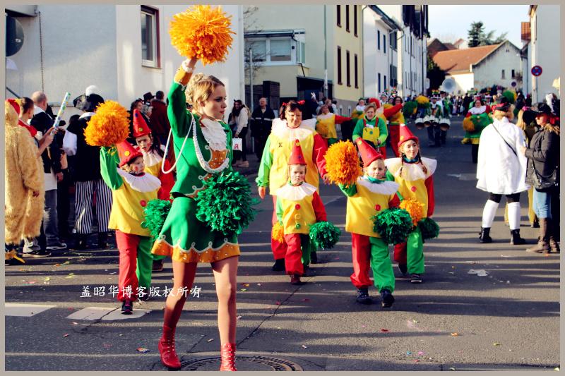德国狂欢节,金发美女全上街 - 风帆页页 - 风帆页页博客
