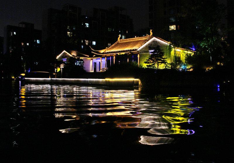 水波灯影夜色美,最美无锡运河水--春游无锡之五 - 侠义客 - 伊大成 的博客