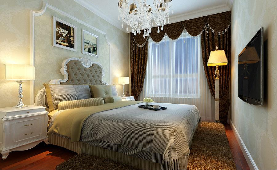 沙发背景墙以欧式大理石做成的门柱为客厅增添了欧式