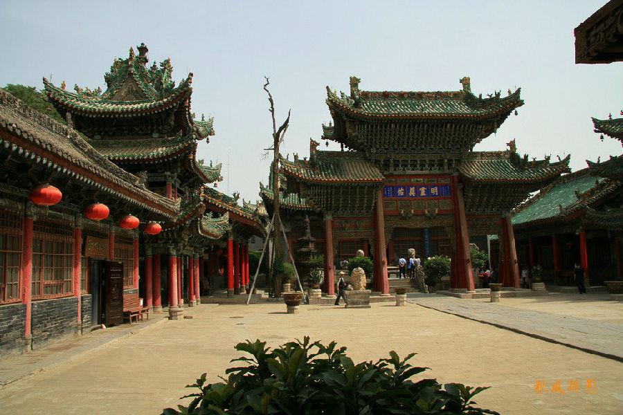 ...城隍庙的大明诰命石碑和明万历年三原城隍庙间铁铸的焚纸楼立...