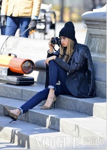 明星示范基本款牛仔裤 - VOGUE时尚网 - VOGUE时尚网