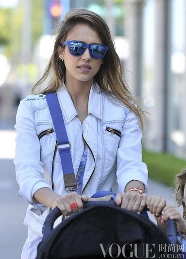 明星示范时髦利器太阳镜 - VOGUE时尚网 - VOGUE时尚网