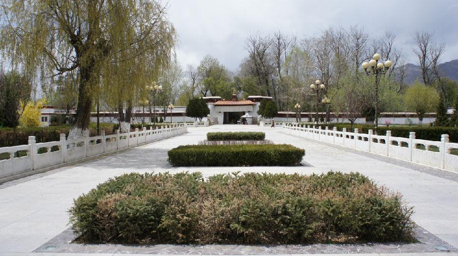 西藏最大的园林——罗布林卡 - 余昌国 - 我的博客