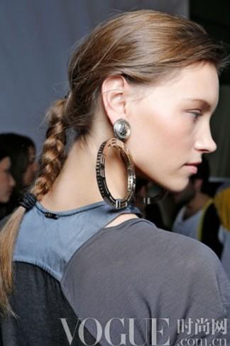 音乐节必备 让你摇滚起来的7款发型 - VOGUE时尚网 - VOGUE时尚网