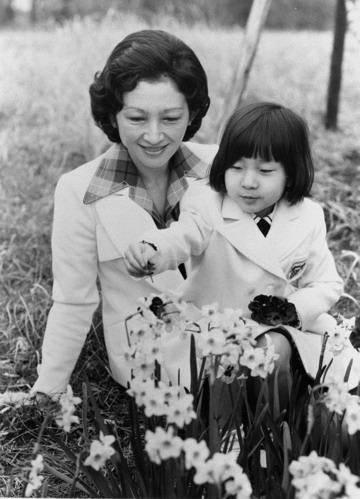 日本皇后美智子昔日清纯美照曝光 组图图片