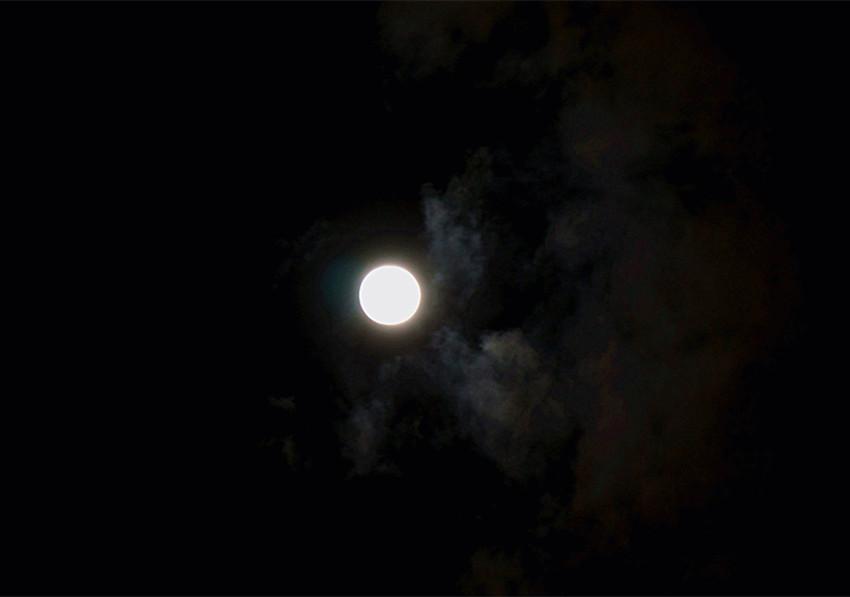 昆明星星月亮服装