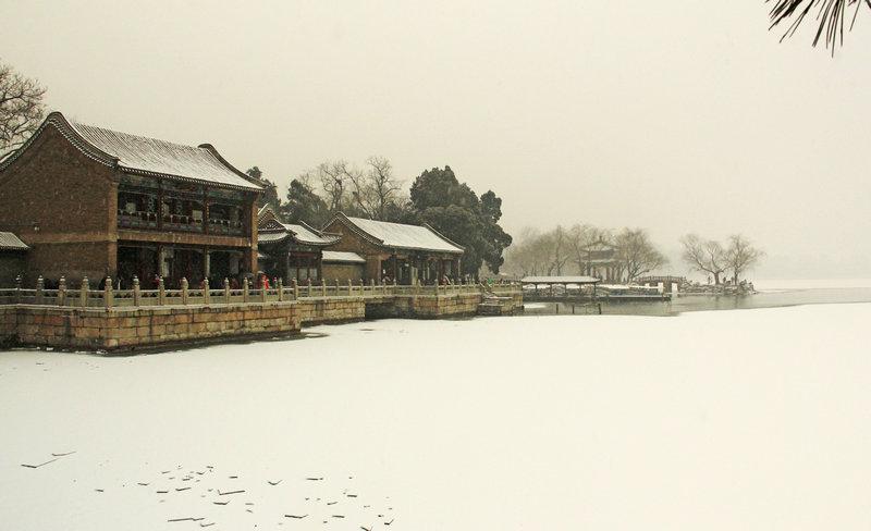 京城初雪颐和园,雪压腊梅更娇妍 - 侠义客 - 伊大成 的博客