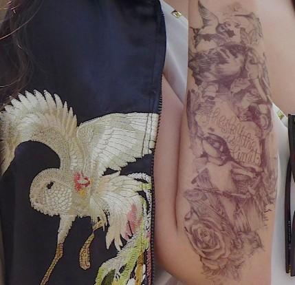 纹身与装饰 叛逆也时髦 - VOGUE时尚网 - VOGUE时尚网