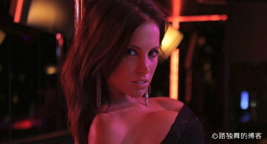 脱衣舞网站_采访手记:华盛顿最着名的脱衣舞夜总会