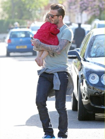 世界上最帅的男人都在带孩子 - VOGUE时尚网 - VOGUE时尚网