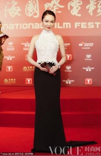 上海电影节开幕女星着装盘点 - VOGUE时尚网 - VOGUE时尚网