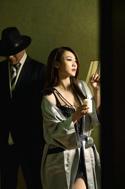 """柳岩面对芙蓉姐姐紧逼玩""""本能""""(组图) - 遇果林 - 遇果林-原生态博客"""