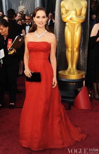 娜塔丽·波特曼最美瞬间图集 - VOGUE时尚网 - VOGUE时尚网