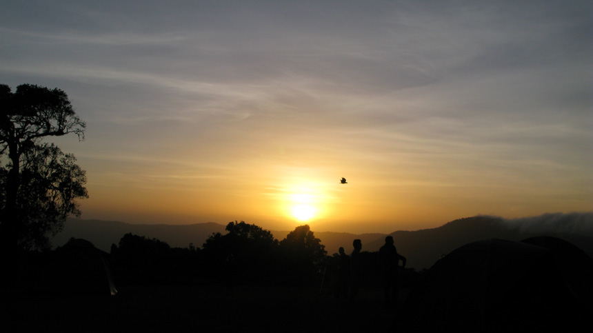 火山口中-马赛人和野生动物的乐园 - sihaiyunyou - sihaiyunyou的博客
