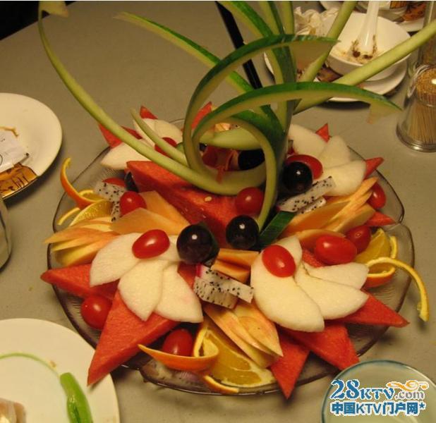 """漂亮的水果拼盘设计图""""造型设计有创意的水果拼盘图"""""""