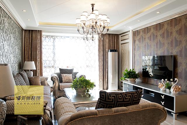 电视墙的造型看似简单,旁边隐形门的造型使客厅的整体布局更加完美.