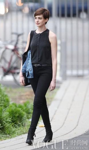 6月明星街拍 随意度假风 - VOGUE时尚网 - VOGUE时尚网