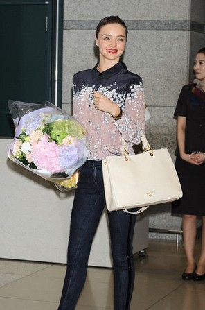 米兰达·可儿惊艳街拍盘点 - VOGUE时尚网 - VOGUE时尚网