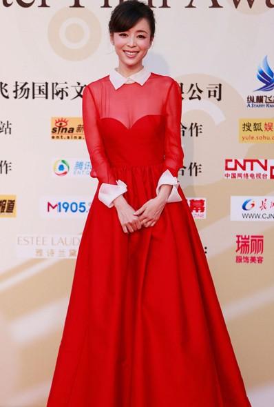 张静初红黑礼服高贵亮相 - VOGUE时尚网 - VOGUE时尚网