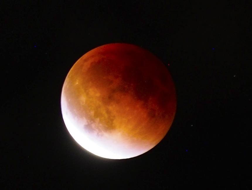 在北美过中秋遇到全月食,月亮变成血月亮 - sihaiyunyou - sihaiyunyou的博客