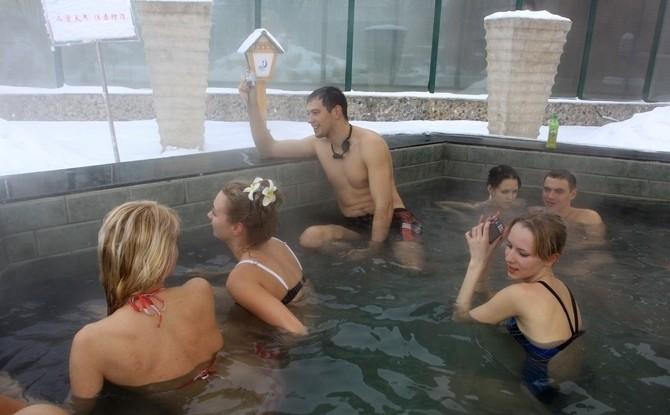 零下21度在东北泡温泉的俄罗斯美女(组图) - 遇果林 - 遇果林-原生态博客