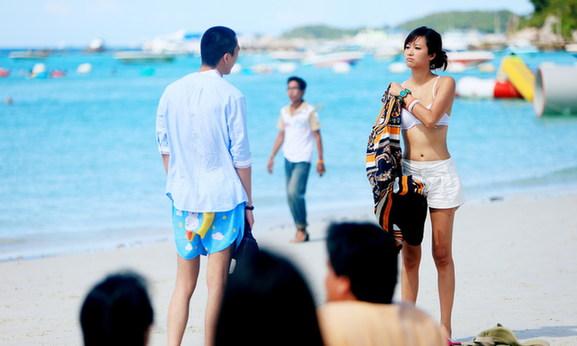徐静蕾与黄立行沙滩浪漫泳装照曝光 - 对酒当歌 - 对酒当歌网易博客