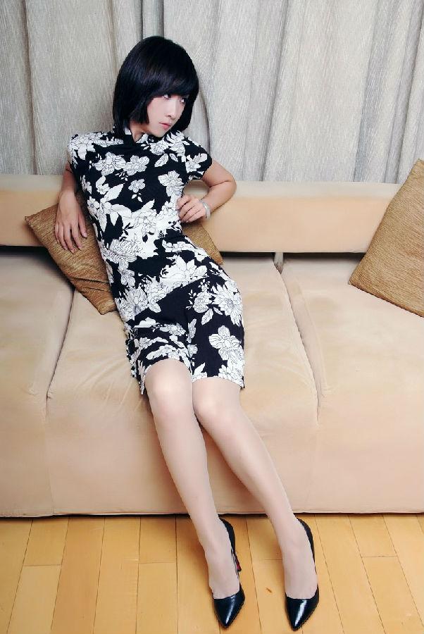 丝袜美女 性感秀腿二十七