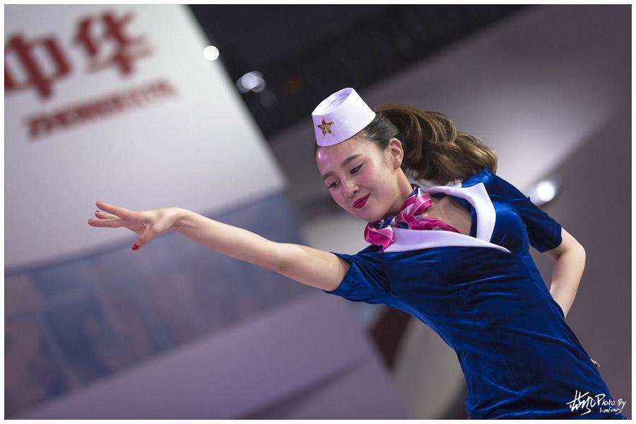 上海车展车展上的俊男靓女们 - 蓝风 - 蓝风的图像家园