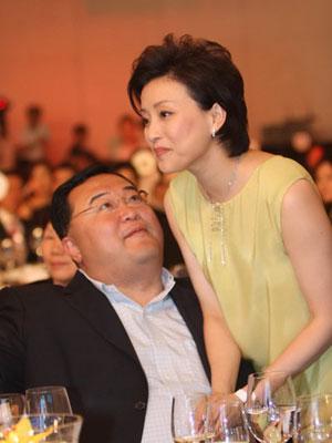 杨澜夫妇不堪回首的10大争议口水战(图) - 中国娃娃 - 在路上,只为温暖我的人