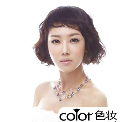 感新娘短发,精致而蓬松的短烫刘海十分的个性显可爱