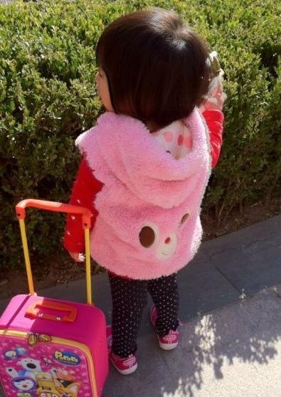 李湘王岳伦3岁可爱女儿最新私房照(图) - 中国娃娃 - 在路上,只为温暖我的人