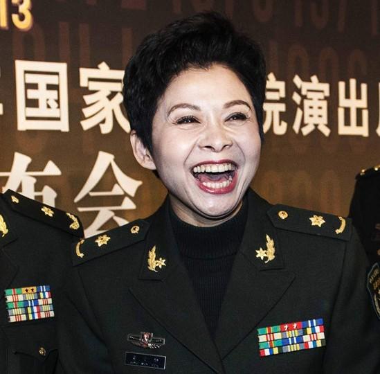 姚晨杨澜董文华谁的嘴更性感(组图) - 遇果林 - 遇果林-原生态博客