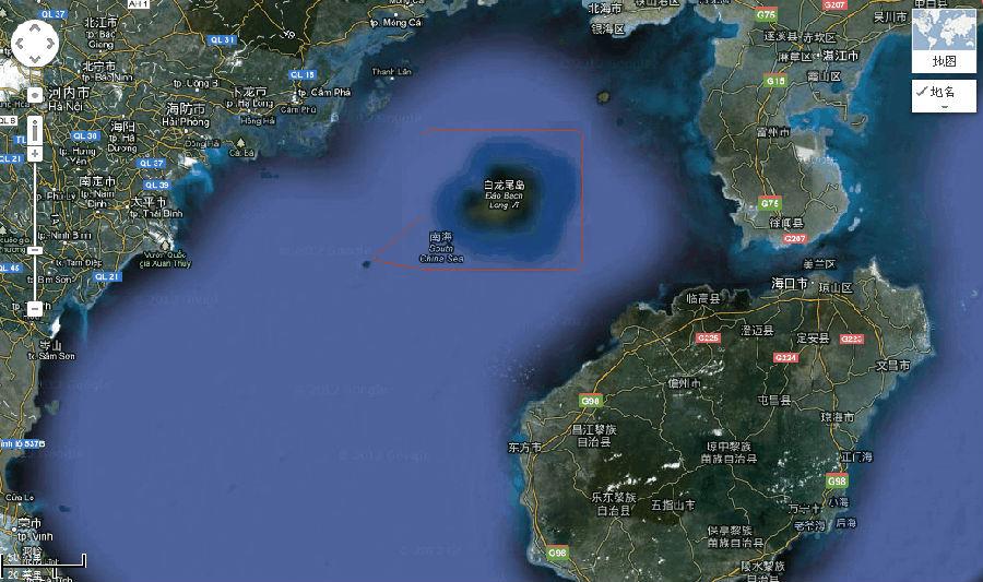 地图上标名为夜莺岛,后来的地图则标称白龙尾岛