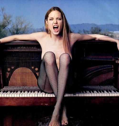 茱莉25岁全裸写真曝光 - 叽哩咕噜 - 叽哩咕噜的博客