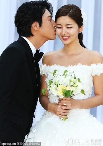 韩星最佳着装 宋慧乔少女时代韩佳人抢镜 - VOGUE时尚网 - VOGUE时尚网