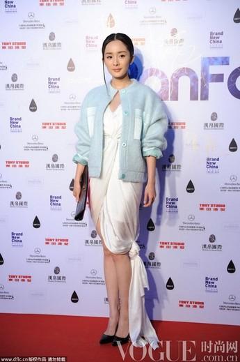 杨幂领衔 女星齐聚中国时装周 - VOGUE时尚网 - VOGUE时尚网
