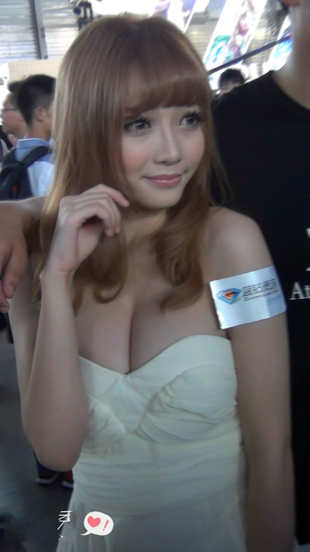 2013Chinajoy穿越火线萌妹孙亦文[MP4/240MB]