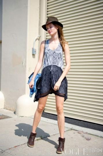 超模着装:T台之外更出色 - VOGUE时尚网 - VOGUE时尚网